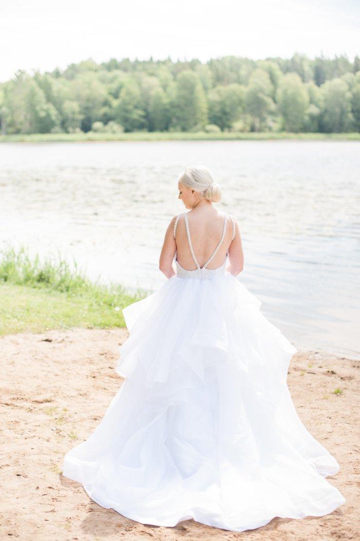 Att sälja sin brudklänning för att betala advokaten. När mitt och läkarens ord mot försäkringskassan kräver att jag anlitar en advokat.